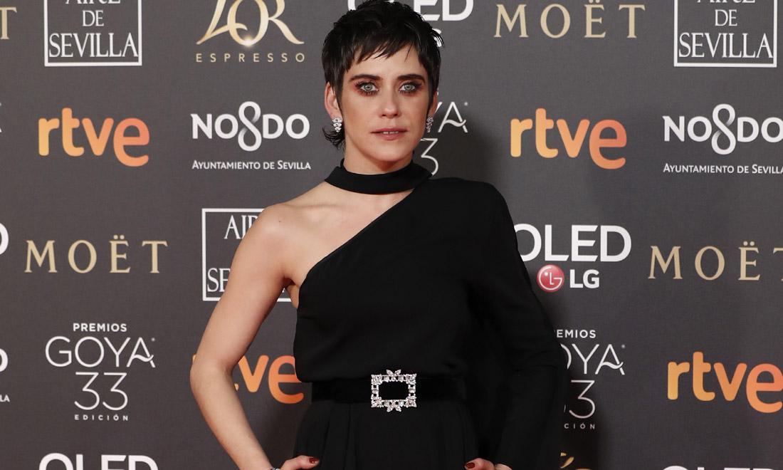 El ingenioso look con el que María León resuelve 3 tendencias en 1