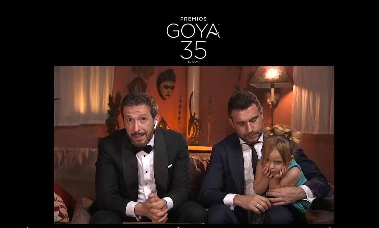 La hija de Salvador Calvo, director de 'Adú', una simpática espontánea en los Goya